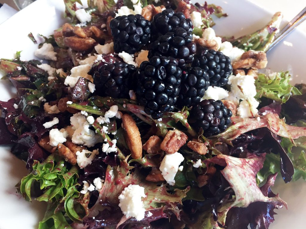 Famoso Blackberry Salad